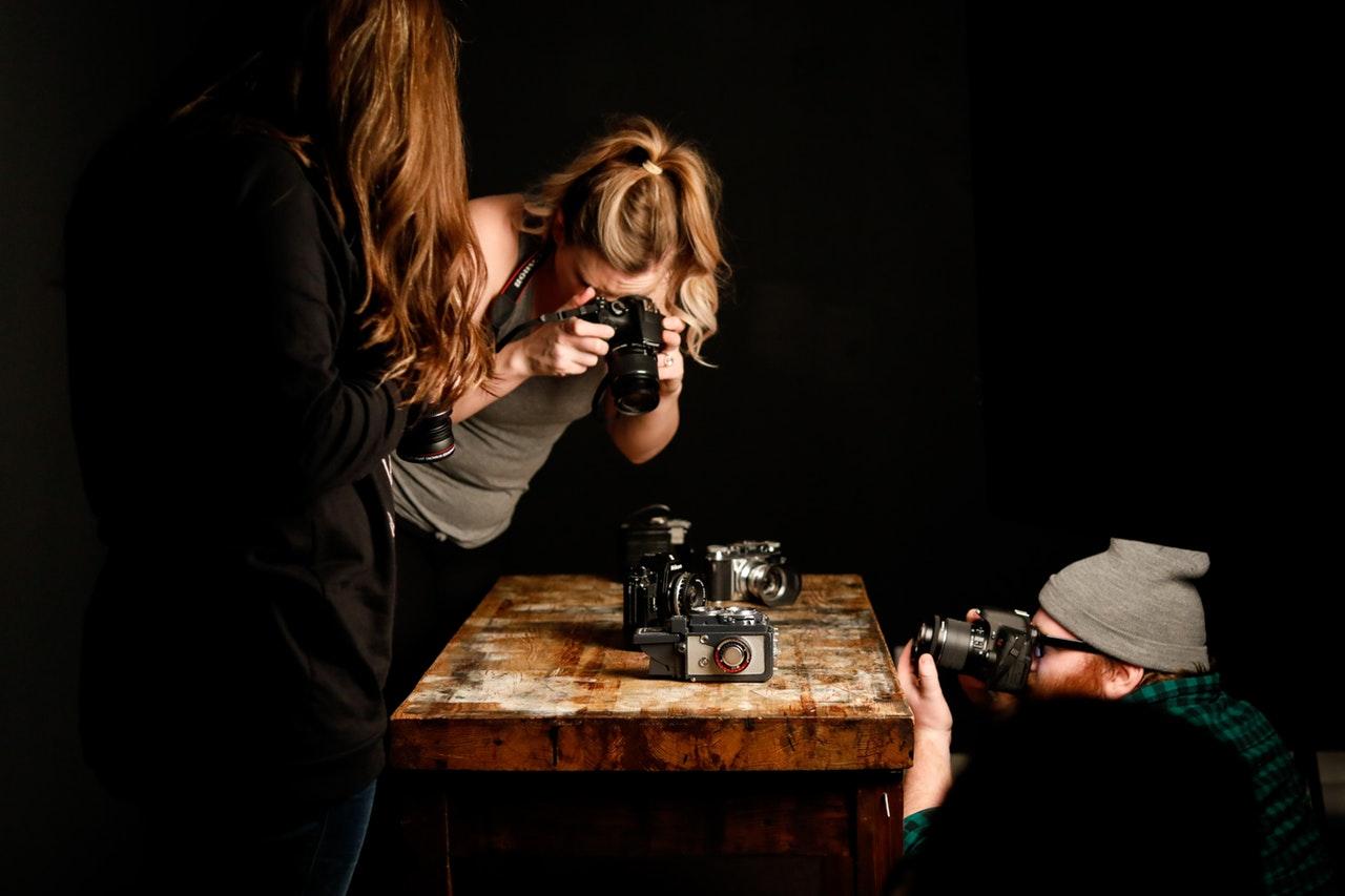 fotograferne paa opgave