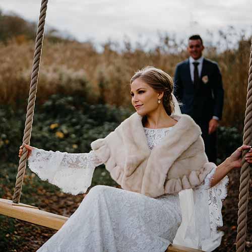 Bryllupsfotograf Vejle | Bryllup, Kjole bryllup, Brudepigekjoler